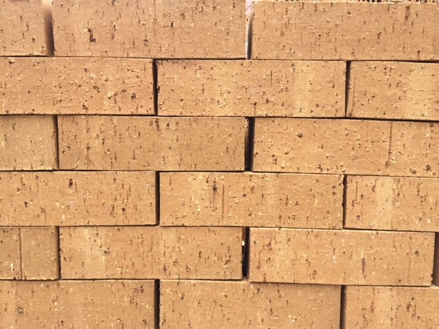 IBSTOCK ARGYLL BUFF WIRECUT OFFSHADE BRICK 65MM